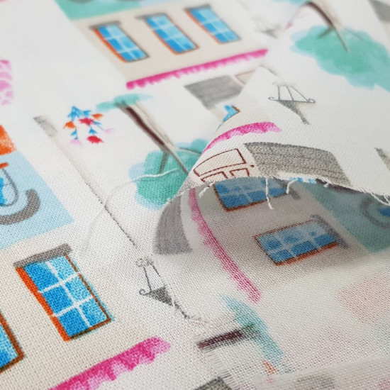 Cotton Townhouses fabric - Cotton fabric ideal for Patchwork with drawings of houses in the city. This fabric is part of The Craft Cotton Company's Girls Day Out collection The fabric is 110cm wide and its composition is 100% cotton.