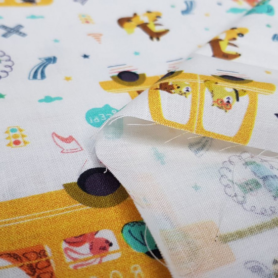 Cotton Animals School Bus fabric - Organic cotton poplin fabric (GOTS) with drawings of animals on the school bus and riding scooters. The fabric is 150cm wide and its composition is 100% cotton.