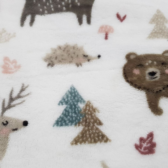 Coral Fleece Alpine Forest fabric - Coral fleece fabric with drawings of animals such as reindeer, deer, hedgehogs, bears... on a white background with trees, plants and mushrooms. The fabric is 150cm wide and its composition is 100% polyester.