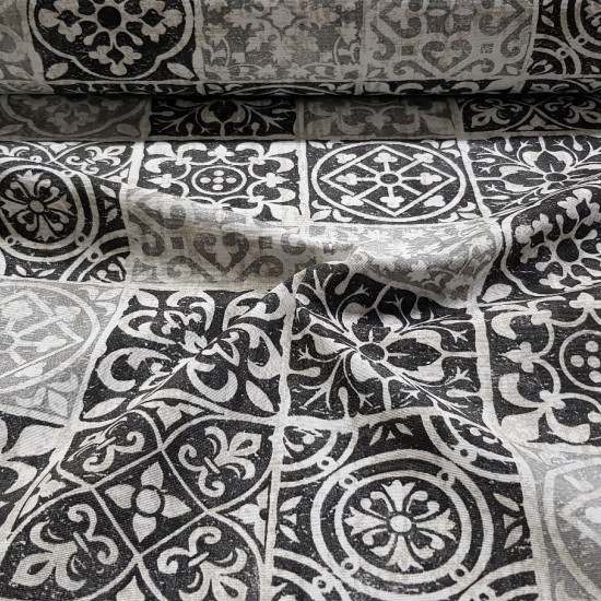 Canvas Black White Tiles fabric - Decorative canvas fabric with drawings of tiles or hydraulic racholas in black and white tones. The fabric is 280cm wide and its composition is 50% cotton - 50% polyester.
